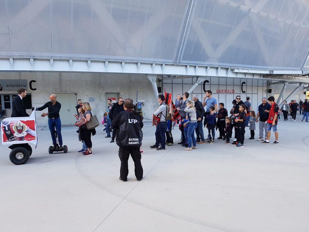 Le Streetbooth capturant les supporters de l'OGC Nice avant un match
